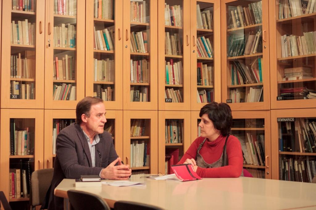 Entrevista con el psicoanalista Santiago Castellanos en la sede de la Biblioteca del Campo Freudiano de Barcelona. Autor de las fotografías: Albert Roig.
